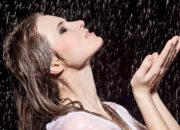 汗や水でも立体感をキープ!アイシャドウのアートメイク