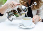 【医師が教える】バストアップできるお茶の効果とは?