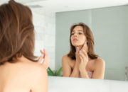 【医師が教える】レーザー治療でシミを除去!メイクやお風呂などに制限はある?
